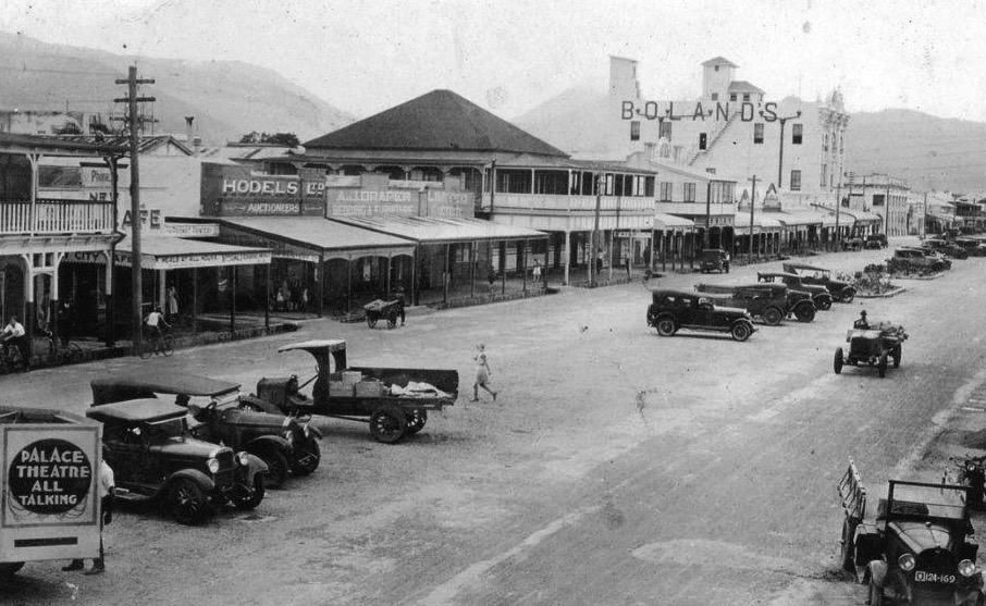 Cairns history pics Lake Street 1930s